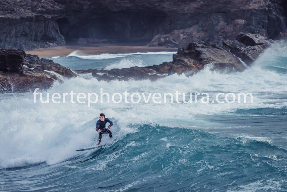 Ajuy_surf_photo
